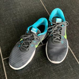 Nike Shoes - Nike Flex TR7 Anthracite/Ghost Green/Chlorine Blue
